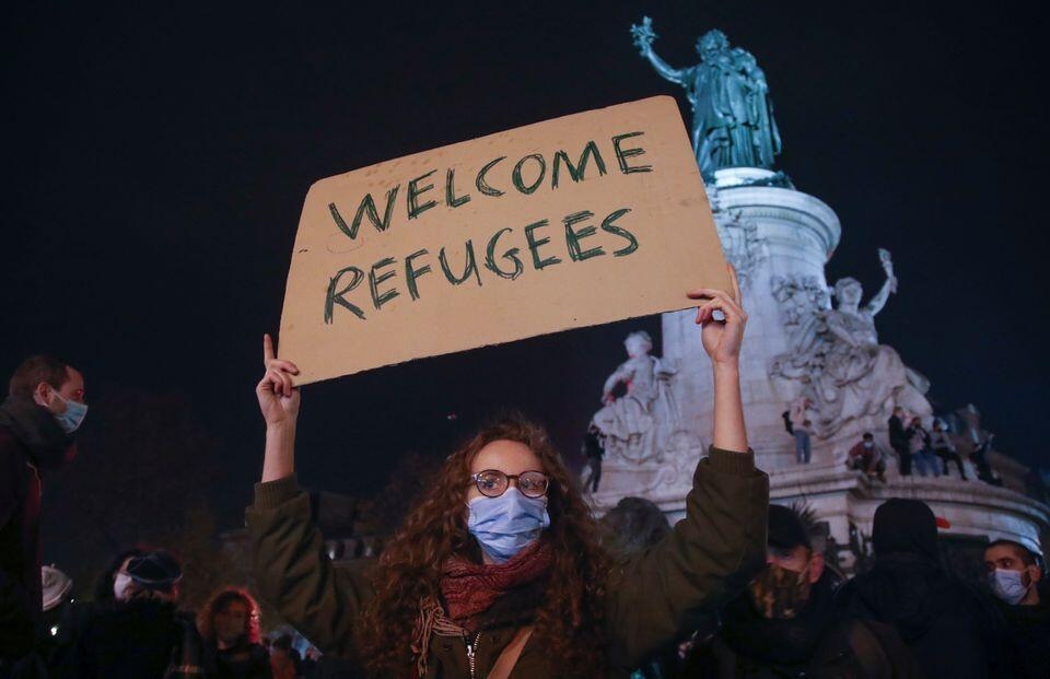 """Welcome Refugees"""